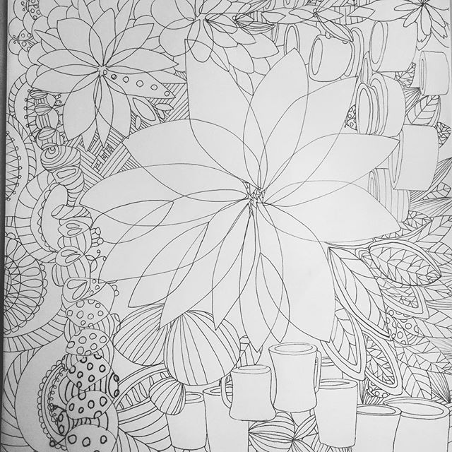 Started out as a bad #doodle, but once I've calmed down, this #drawing 197 turned out not too bad. #the100dayproject #100daysofdrawing #100daysofdrawingarabesque #100colormeditations #blog #Tpe