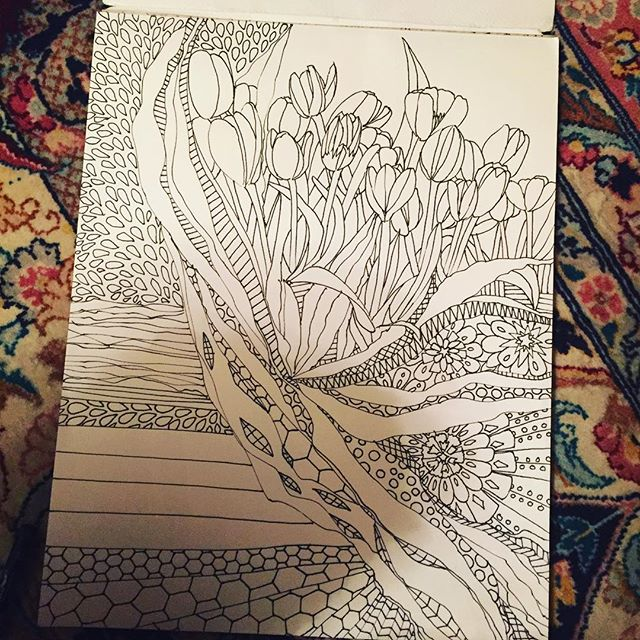 Haven't had much time to myself lately, so it's taking about 3 days per #drawing tho I'm at 198 now of #the100dayproject #100daysofdrawing #100daysofdrawingarabesque almost done. These #tulips I brought to #tpe from #Amsterdam airport r still standing! Amazing. #inkart #blog @arts_help